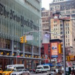 ReThink911 (Repiensa el 11-S) instala un enorme anuncio frente a la sede del New York Times
